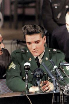 Elvis Presley press conference when he got out of the army, March 1960