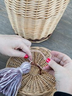 DIY Yarn Tassels: Dress Up Your Decor