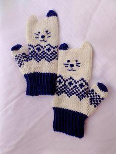 Norwegian kitten mittens