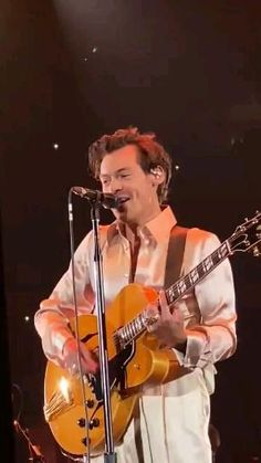 One Direction Concert, One Direction Videos, I Love One Direction, Harry Styles Cute, Harry Edward Styles, P Pics, Las Vegas Outfit, Harry Styles Wallpaper, Mr Style