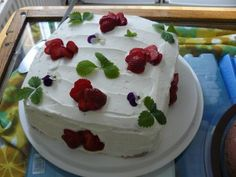 #leivojakoristele #mitäikinäleivotkin #täytekakku Kiitos Heini