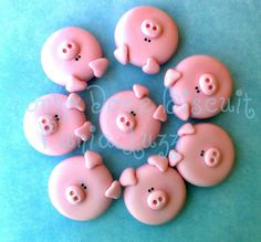 Would b perfect 4 my bff Polymer Clay Animals, Fimo Clay, Polymer Clay Charms, Polymer Clay Creations, Pig Cupcakes, Animal Cupcakes, Fondant Cupcakes, Pig Crafts, Clay Crafts