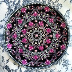 436 Likes, 17 Comments - Pinpoint Point Mandala Art, Mandala Rocks, Mandala Drawing, Mandala Painting, Mandala Design, Dot Art Painting, Stone Painting, Painted Plates, Celtic Art