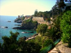 Nervi, Genova, Italia Giro in canoa! Oh The Places You'll Go, Places To Travel, Places Ive Been, Places To Visit, Best Vacations, Homeland, Amazing Places, Botanical Gardens, The Good Place