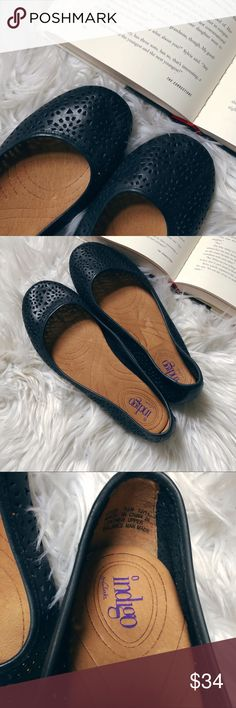 "Clarks ""Indigo"" Flats Sz 7.5 Black Leather Laser Clarks ""Indigo"" Ballet Flats Size 7.5M Black Leather Laser Cut Clarks Shoes Flats & Loafers"