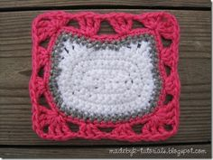 Made by K - Tutorials: Hello Kitty Granny Square Scarf Crochet Pattern♥ Diy Tricot Crochet, Chat Crochet, Crochet Cat Pattern, Baby Afghan Crochet, Crochet Flower Patterns, Crochet Crafts, Crochet Yarn, Crochet Projects, Free Crochet