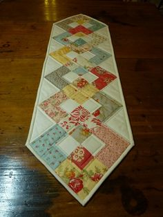 like this table runner design