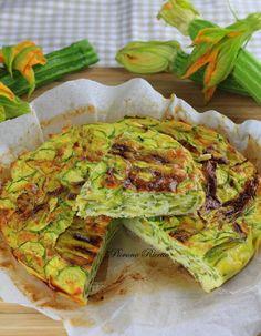 Frittata con zucchine e fiori di zucca, cotta al forno - Piovono Ricette Antipasto, Prosciutto, Quiche, Zucchini, Buffet, Food And Drink, Low Carb, Gluten Free, Cooking