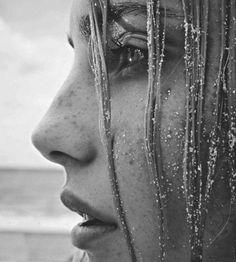 Close up, sandy profile