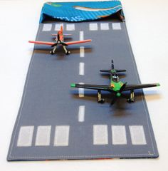 Plane Wallet for Kids - fold up toy carrier with runway - 7 fabric choices Best Murphy Bed, Murphy Bed Plans, Toys For Boys, Gifts For Boys, Boy Gifts, Car Racing For Kids, Felt Books, Quiet Books, Felt Games