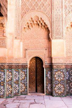 Un long weekend à Marrakech Trip Marrakech Medersa ben Youssef - Carnets Parisiens Marrakech Travel, Marrakech Morocco, Morocco Travel, Visit Marrakech, The Places Youll Go, Places To Go, Places To Travel, Travel Destinations, Africa Destinations