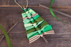 Use sticks and scraps of green ribbon to make this rustic Scrap Ribbon Tree Ornament. It's the perfect homemade Christmas ornament for kids! #christmas #christmasornaments #ribbontreeornament #scrapribbontreeornament Easy Christmas Crafts, Simple Christmas
