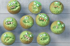15 Easy Easter Cupcake Ideas - Best Cupcake Recipes for Easter Monster Cupcakes, Cupcakes Cool, Cupcakes For Boys, Kids Party Treats, Birthday Treats, Easter Table, Cupcake Recipes, Cupcake Ideas, Halloween Diy