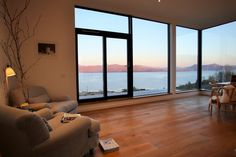 Amazing sea views and chic interiors on the Isle of Skye, Schotland - skye window house Self Catering Cottages, House By The Sea, Dream Rooms, Scotland, Windows, Luxury, Chic, Home, Building Products