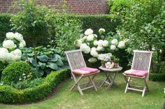ruhen wir uns aus,trinken Kaffee, kl?nen und haben einen sch?nen Blick in den Garten.