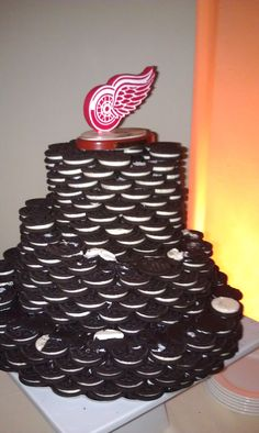 As a fellow Detroit Red Winger. I love this idea for a grooms cake. I love Oreo's too!