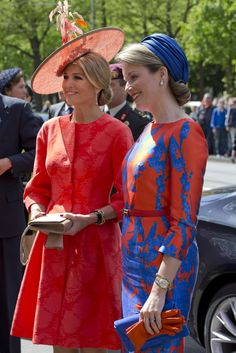 """Belgium's Queen Mathilde, right, and Netherlands Queen Maxima arrive for the opening of the """"Vormidable"""" exhibit of sculptures by Flemish artists in The Hague, Netherlands, Wednesday, May 20, 2015. The exhibit in the city center can be seen from from May 20 till August 30, 2015. (AP Photo/Peter Dejong)"""