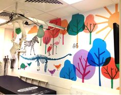 Beautiful cheerful wall mural for examination room in Children's hospital by Jenny Bowers Wonderful. #illustration #wall mural