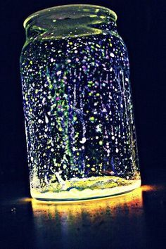 Faries in a jar. I will be trying this with wine bottles. Glow sticks cut open and dumped into a jar with glitter. What an inexpensive idea for summer lights on the patio.
