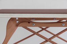 1 objet 1 minute par Pierre Lota Design !ndex Design Retro, Hanger Crafts, Bois Diy, Ideas Geniales, Pallet Creations, Piece A Vivre, Wood Carving, Decoration, Wood Furniture