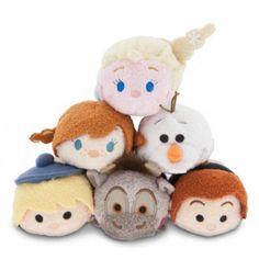 I simpatici personaggi di Winni the Pooh in questa tenerissima collezione mini peluche Tsum Tsum