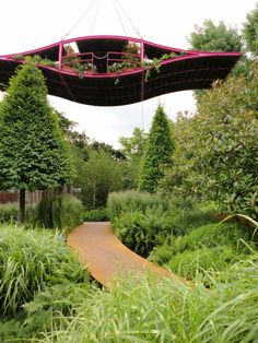 What a twist on a container garden-- this one can fly! This is painfully cool.   #gardens #gardendesign