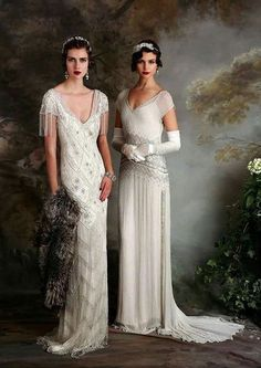 If you're on the hunt for a vintage gown, a style flapper wedding dress but something new then you need to see the Eliza Jane Howell Debutante collection Flapper Wedding Dresses, Vintage Inspired Wedding Dresses, Vintage Gowns, Bridal Gowns, Wedding Gowns, Vintage Outfits, Dress Vintage, 1920s Vintage Wedding Dress, Wedding Bridesmaids