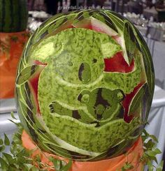 Koala and its child Watermelon Designs, Watermelon Art, Watermelon Carving, Carved Watermelon, Creative Food, Creative Design, Food Sculpture, Fruit And Vegetable Carving, Food Carving