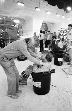 Peter Mayhew (Chewbacca) watches in the background.  Rare photos from the set of The Empire Strikes Back