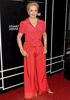 tips de carolina herrera para ser una mujer elegante Carolina Herrera Dresses, Ch Carolina Herrera, Mature Fashion, Over 50 Womens Fashion, Classy Work Outfits, Casual Outfits, Girly Girl, Estilo Lady Like, Différents Styles