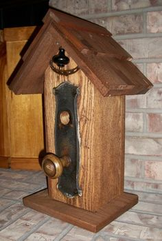 What a beautiful birdhouse!