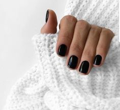 Pretty French Nails Nagel Winter and Christmas Nails Art Designs Ideas - pretty french nails fingernails design 2019 with glitter hollywood nails remscheid venus nails sieg - Black Gel Nails, Short Gel Nails, Black Nails Short, Black French Nails, Black Manicure, Dark Nails, Cute Black Nails, Dark Nail Polish, Glitter Nails