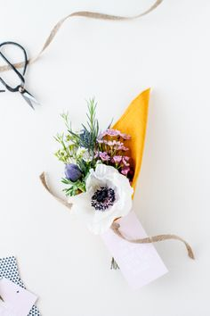 Make This: DIY 'Make Your Day' Bouquets | Paper & Stitch