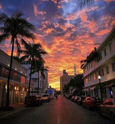 Jan 3 2020 - South Beach sunset - The Best Photos and Videos of Miami (Florida) including Miami Beach South Beach Bri. Aesthetic Backgrounds, Aesthetic Wallpapers, Beautiful Sunset, Beautiful Places, Beautiful Pictures, South Beach Miami, Miami Florida, Miami Sunset, City Sunset