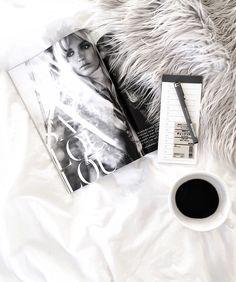 By @whitelivingetc Coffee Shot, Coffee Date, Coffee Drinks, Coffee Cups, Tea Cups, Coffee Geek, Coffee Is Life, I Love Coffee, Coffee Lovers