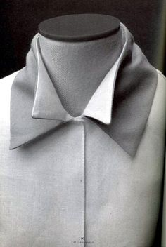 Shirt with double collar detail – creative patternmaking; fabric m… Shirt with double collar detail – creative patternmaking; fabric manipulation // Pattern Magic by Tomoko Nakamichi Pattern Cutting, Pattern Making, Textile Manipulation, Fashion Details, Fashion Design, Collar Designs, Collar Pattern, Collar And Cuff, Double Collar Shirt