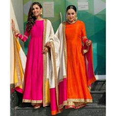 Pakistani Dresses, Indian Dresses, Indian Outfits, Indian Skirt, Indian Attire, Indian Wear, Indian Style, Serie Suits, Mode Bollywood