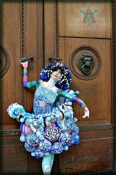 Balloon fashion, space fashion, inovation in the fashion world: Paintloon