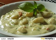 Cuketová omáčka se sýrem recept - TopRecepty.cz Gnocchi, Cheeseburger Chowder, Food And Drink, Low Carb, Soup, Healthy Recipes, Meals, Cooking Ideas, Vietnam