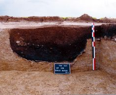 Vue de détail d'une fosse et d'un four.Cl. : Alexandra Mondoloni/Inrap