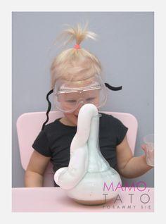 10-eksperymentow-dla-dzieci-sloniowa-pasta-do-zebow Kids And Parenting, Adidas Sneakers, Education, Cards, Maps, Onderwijs, Learning, Playing Cards, Adidas Shoes
