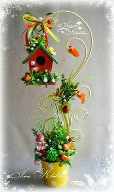birdhouse and gnomes Cup Crafts, Easter Crafts, Crafts To Make, Christmas Crafts, Arts And Crafts, Christmas Decorations, Christmas Ornaments, Clay Flowers, Flower Pots