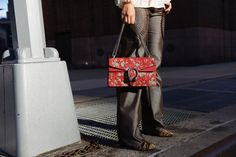 Gucci Dyonisus Arabesque bag, Laura Comolli streetstyle NYFW day 3 - Jeans…