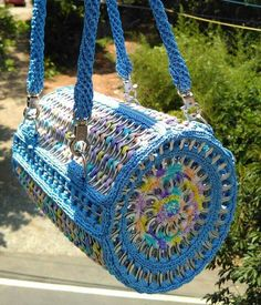 Crochet Handbags, Crochet Purses, Pop Top Crafts, Pop Tab Purse, Pop Can Tabs, Pipe Cleaner Crafts, Pipe Cleaners, Girl Scout Swap, Girl Scouts
