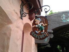 Disneyland Paris Men´s Bathroom