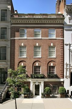 New York, Nova York, Estados Unidos – Luxury Home For Sale Multi Million Dollar Homes, New York Townhouse, Nova, Classic Building, Residential Real Estate, Estate Homes, House Floor Plans, Luxury Real Estate, My Dream Home