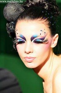 extravagant makeup   Want an edit? - Meez Forums