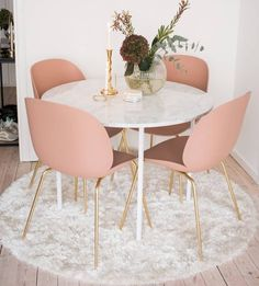 Of Our Favourite Millennial Pink Home Decor Picks Perfect Dining Suites For Luxury Interior! Perfect Dining Suites For Luxury Interior! Decoration Bedroom, Decoration Table, Home Decorations, Wall Decor, Luxury Interior, Home Interior Design, Luxury Decor, Rose Gold Interior, Mansion Interior