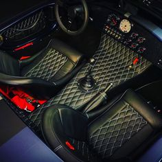 Backdraft cobra interior with gauges and diamond stitched leather interior. Shelby Cobra Replica, Ford Shelby Cobra, Car Interior Design, Car Interior Accessories, Interior Ideas, Classic Sports Cars, Classic Cars, Bomber Seats, Factory Five