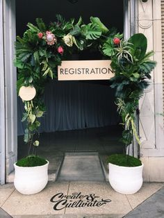 Can you believe this is a faux ensemble? It made for a lively entrance!   Rolling Greens